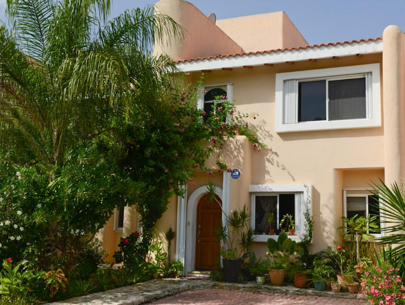 Mom's house, your home away home - Image 1 - Puerto Aventuras - rentals