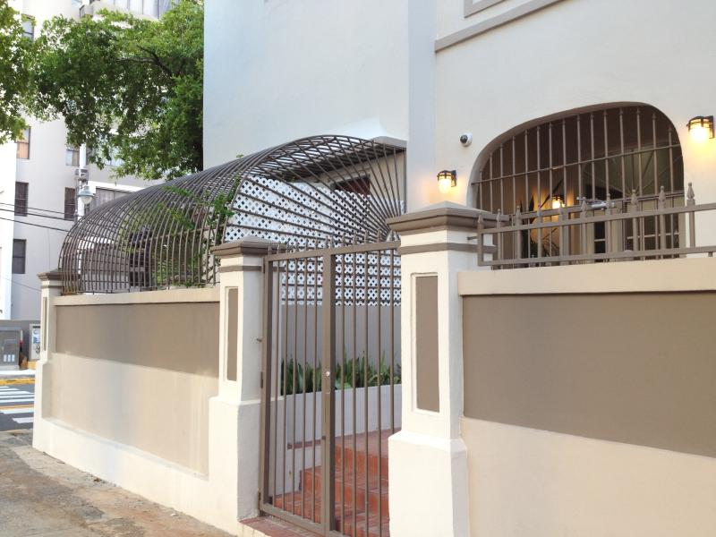 Entrance - ** Newly Remodeled ** Artist's Urban Garden Apartm - San Juan - rentals