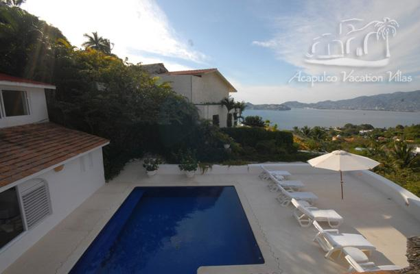 ACA - VGN04  - Greek style design nicely  blended with the tropical Acapulco landscape - Image 1 - Acapulco - rentals