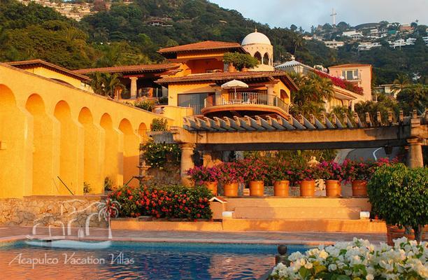 ACA - ARA06 - Magnificent replica of a 19th.  century Mexican Hacienda Estate with nice ocean views and comfortable facilities - Image 1 - Acapulco - rentals