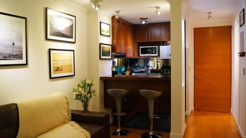 Kitchen and living area - In Out - Beautiful 2 BR / 2 BATH in Providencia / - Santiago - rentals
