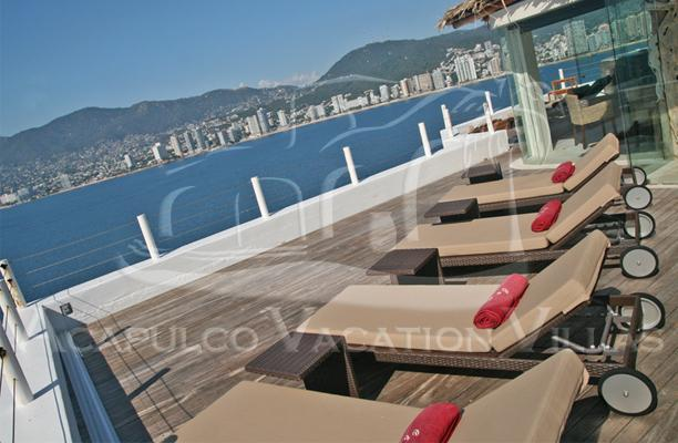 ACA - CTV04  -  Ocean Front penthouse with private sundeck and lounging area - Image 1 - Acapulco - rentals