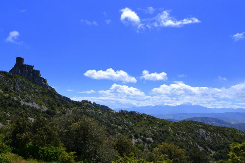 Queribus and Mt. Canigou in the distance - South France Retreat- Hike, Wine, Cathar Castles - Cucugnan - rentals