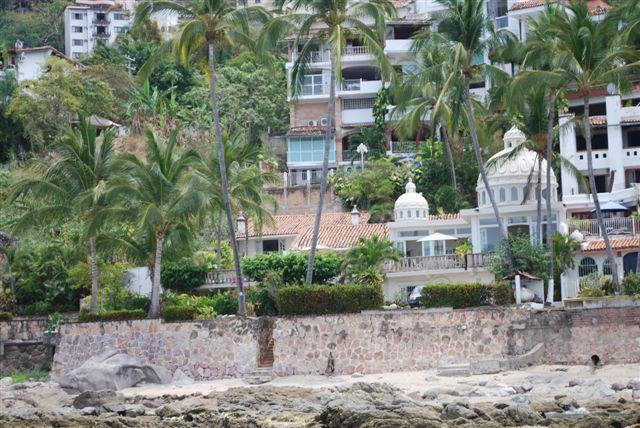 Casa del Mar is located across the road from the safe, sandy Lindomar Beach Club to the right. - Luxury Beachfront Villa 4 or 5 Br Summer Sale -20% - Puerto Vallarta - rentals