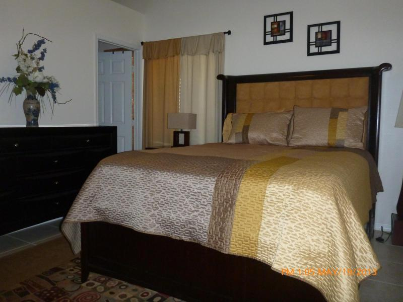 Master Bedroom - Cozy house in down town Clearwater - Clearwater - rentals