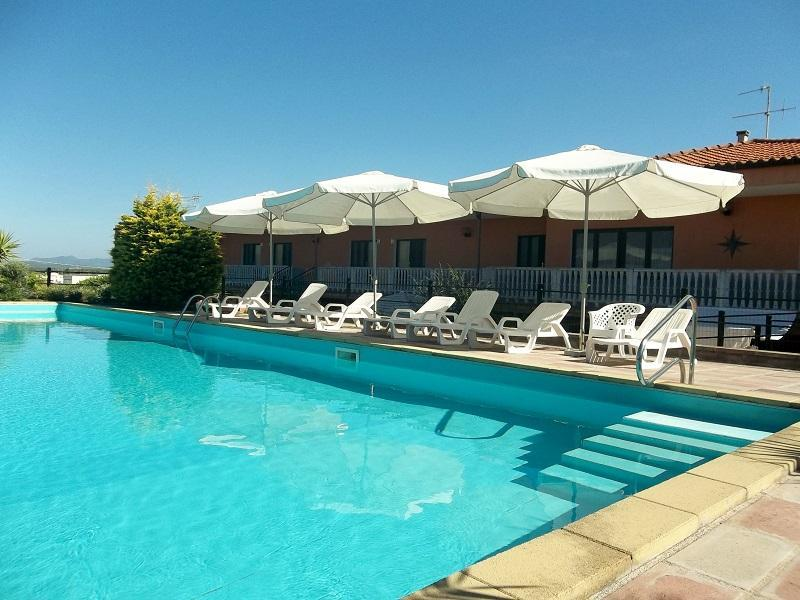 double bedroom in a house with swimming pool - Image 1 - Alghero - rentals