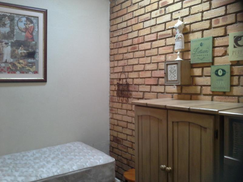 Backpacker Cottage - Image 1 - Krugersdorp - rentals