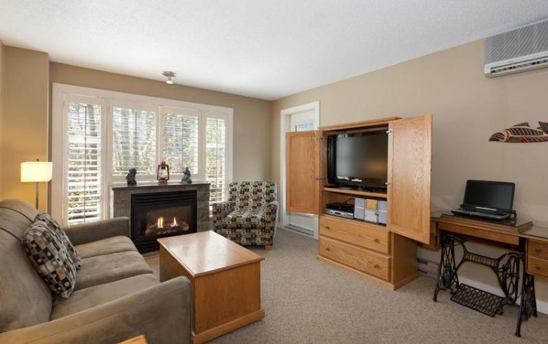 Large open concept: kitchen and living area with balcony - Whistler Ideal Accommodations: Large 2 bedroom - ski in ski out - Whistler - rentals
