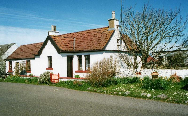 Front of the house - Dunnet Head cottage - Scottish Highlands - rentals