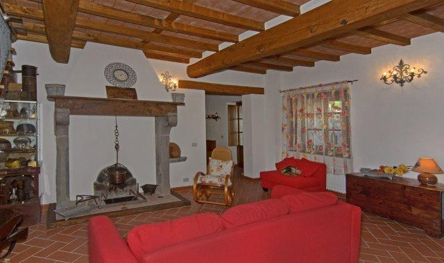 Casa Torchi - Restored barn with 6 sleeps - Image 1 - Molazzana - rentals