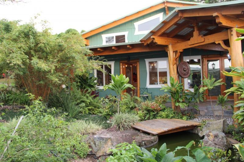 Main House - Yoga studio, Meditation hall, Kitchen and Dining Hall - Healing Room - HI - Big Island - Farmstay - Kealakekua - rentals
