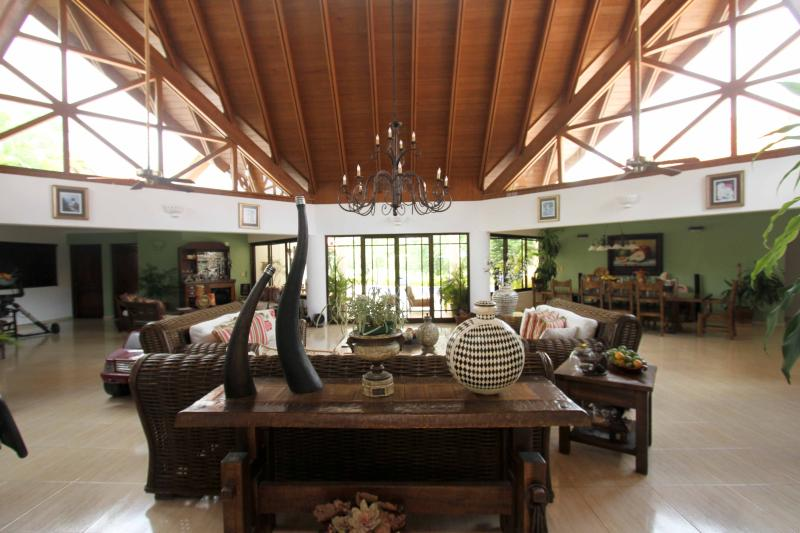 View of the living room as you enter the house. - Luxury Casa de Campo home with private theater - La Romana - rentals
