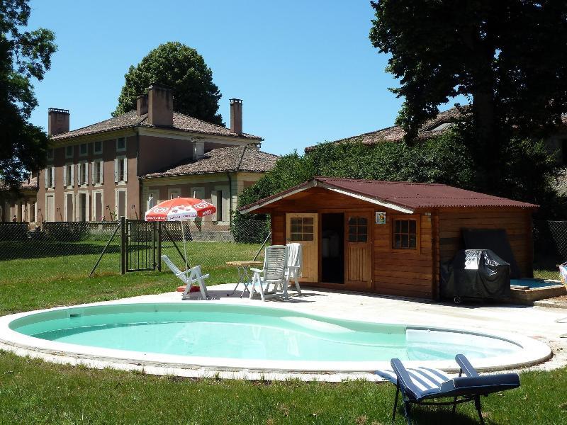 coin détente avec piscine - Chambres d'hotes de charme - Aiguillon - rentals