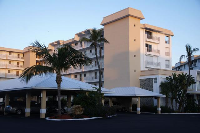 Building Exterior - Beautiful Condo with Stunning Gulf View - Fort Myers Beach - rentals