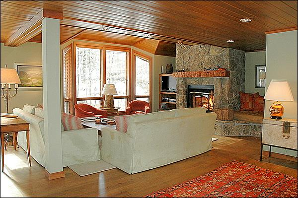 Newly Remodeled Living Room - Snowmass Condo - Ski-in/Ski-out (2135) - Snowmass Village - rentals