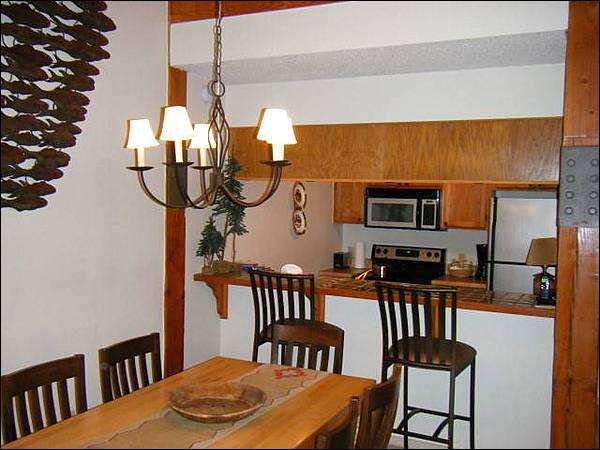 Open Layout Between the Dining Area and Fully Equipped Kitchen - Centrally Located Accommodations - Affordable & Cozy (1316) - Crested Butte - rentals