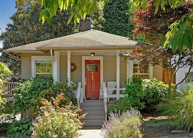 The Greenlake Getaway - Classic Craftsman in Great Seattle Neighborhood!- Sea to Sky Rentals! - Seattle - rentals