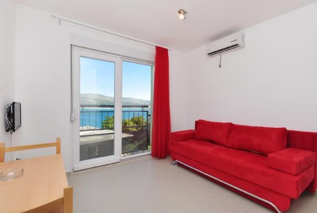 Apartments Pava - 43421-A2 - Image 1 - Okrug Donji - rentals