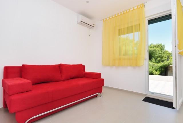 Apartments Pava - 43421-A5 - Image 1 - Okrug Donji - rentals