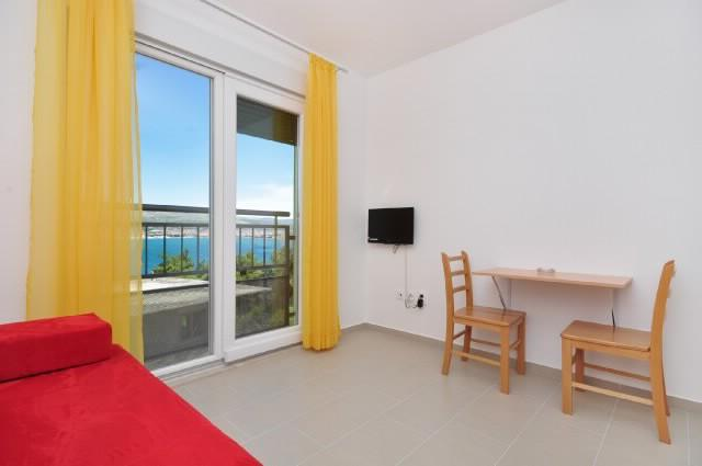 Apartments Pava - 43421-A7 - Image 1 - Okrug Donji - rentals
