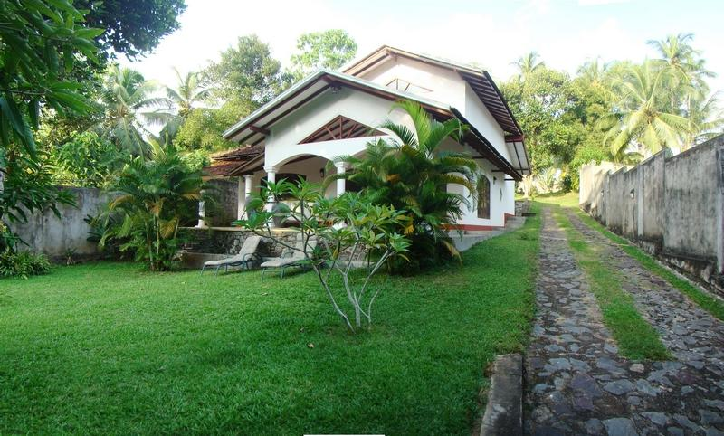 Front View Of Villa - Villa Lokki - 3 Bed Rooms Luxury Villa Hikaduwa - Hikkaduwa - rentals