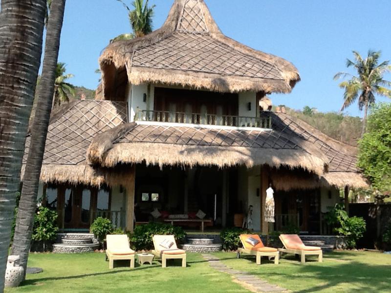Perfumed Garden, alang alang roof's, spacious garden - Life in Amed, Ocean Front Villa & Salt Water Pool - Amed - rentals