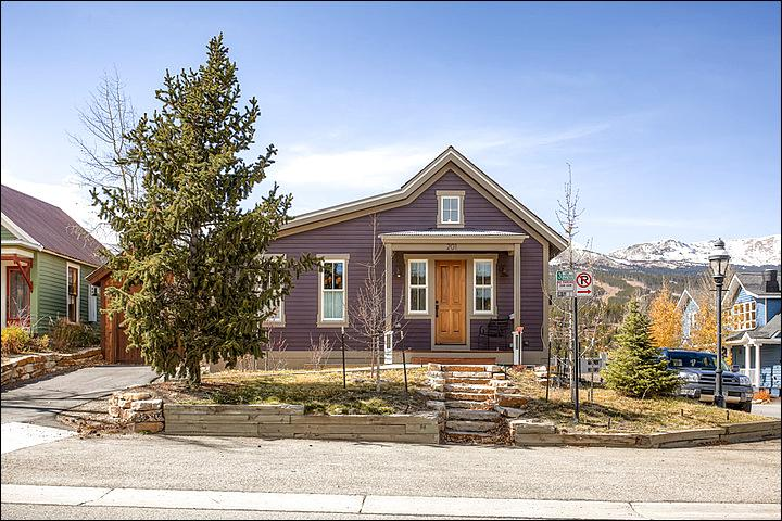 A Cute Little Corner Cottage - Charming Mountain Retreat - Completely Remodeled & Updated (13149) - Breckenridge - rentals