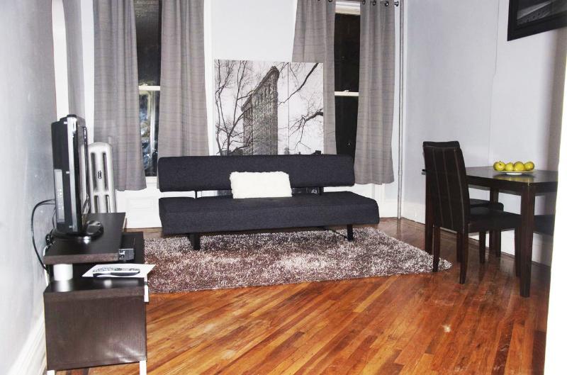 A Dazzling, Sleek & Modern Jr.1BR - Image 1 - Brooklyn - rentals