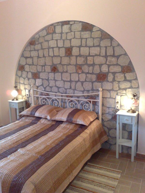 master bedroom - Kalavryta-Mountain Home No.3 (Maisonete) Luxurious - Kato Achaia - rentals