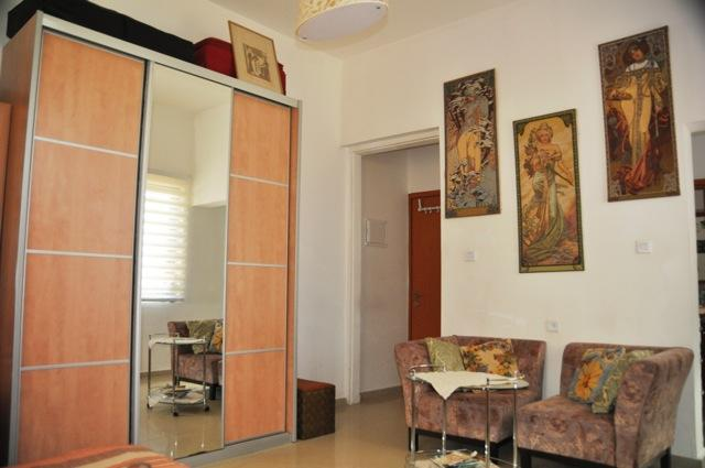 Cozy studio at Kerem HaTeimanim near the sea - Image 1 - Tel Aviv - rentals