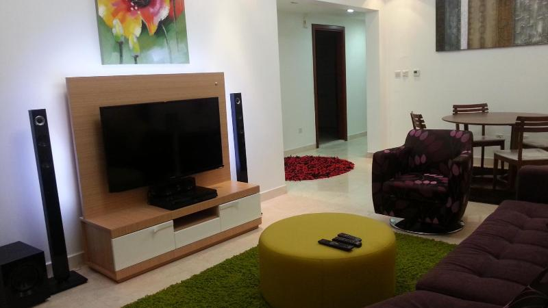 Living Room - Luxurious two bedroom apartment - Muscat - rentals