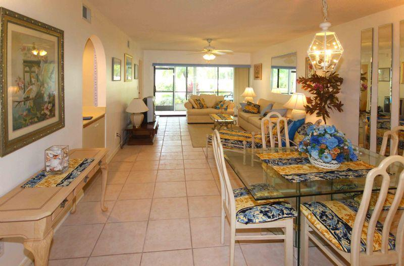 Condo unit in golf country area - Image 1 - Naples - rentals