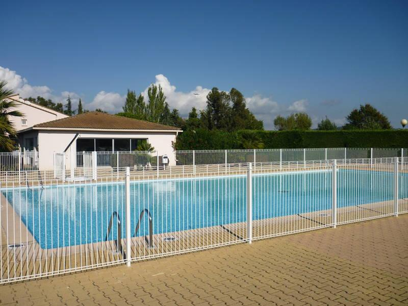 3 Star Affordable 1 Bedroom Apartment with a Pool - Image 1 - Mandelieu La Napoule - rentals