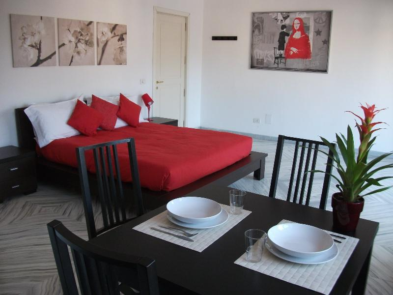 Interior - St. Peter's Studio One - Charming and bright studio apartment in Rome's San Pietro - Rome - rentals