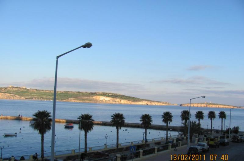 view from terrace - Apartment for 4, with stunning view to bay w ships - Bugibba - rentals