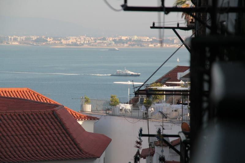 Alfama 2 is in historic center - Image 1 - Lisbon - rentals