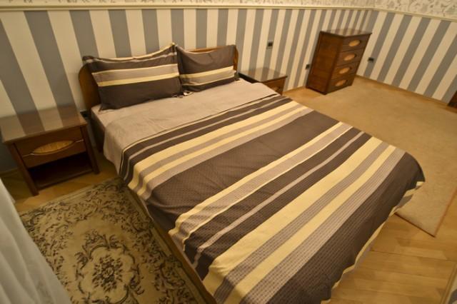 29 Shota Rustavely, Luxury 3-bedr. for groups - Image 1 - Chornobyl - rentals