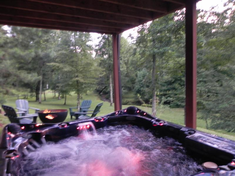 8 PERSON HOT TUB WITH WATERFALL AND CD PLAYER - Weeks Creek Retreat - Blue Ridge - rentals