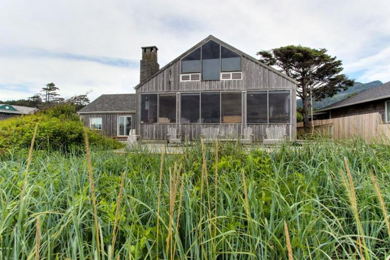 Oceanfront, dog-friendly home with fantastic ocean views - Image 1 - Arch Cape - rentals