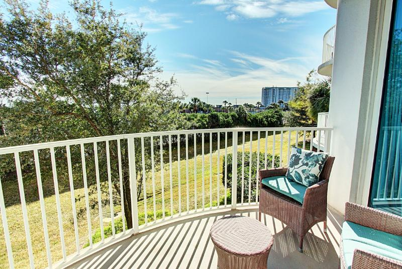 Palms Resort #1208 Jr. Suite - Book Online! 2nd Floor! Destin's Largest Lagoon Pool! Buy 3 nights or more get 1 FREE thru Feb 2015! - Image 1 - Destin - rentals