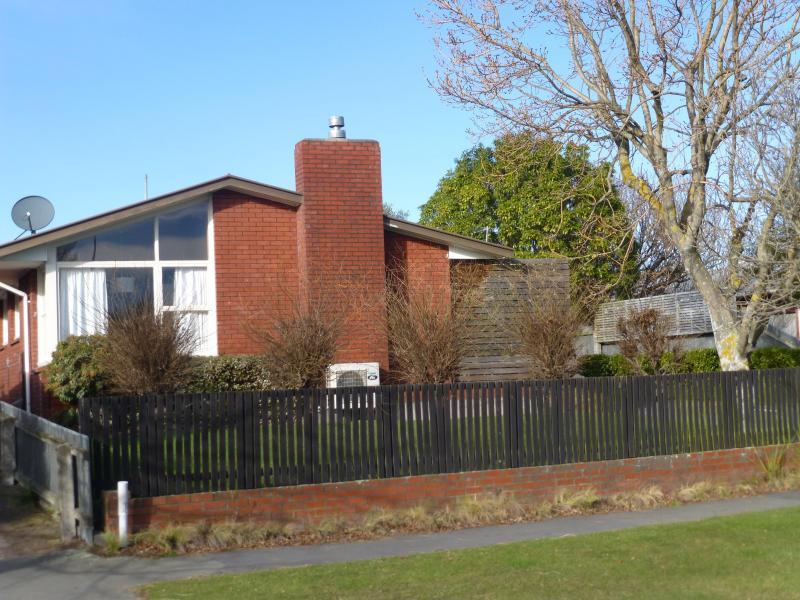 Street View - SUNNY CHRISTCHURCH HOUSE - Christchurch - rentals