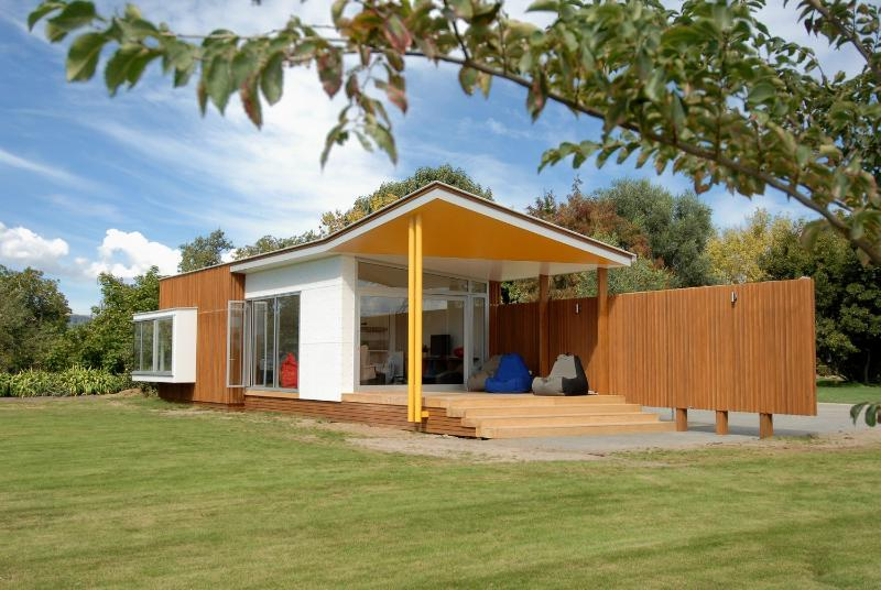 Pete Bossley architect, distinctive outdoor living area - The Pavilion holiday house Havelock North - Havelock North - rentals