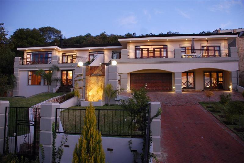 Peaceful, Luxurious B&B in Bloemfontein - Image 1 - Bloemfontein - rentals