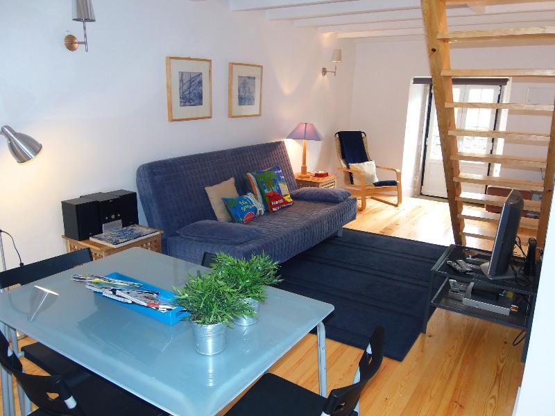 CASA AZUL apart, duplex for 4, next to Bairro Alto - Image 1 - Lisbon - rentals