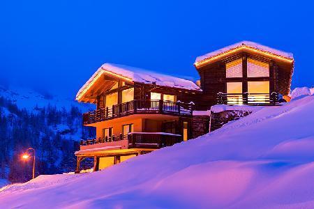 Spectacular 5-star Chalet Grace with staff, spa, steam room & gorgeous mountain views - Image 1 - Zermatt - rentals