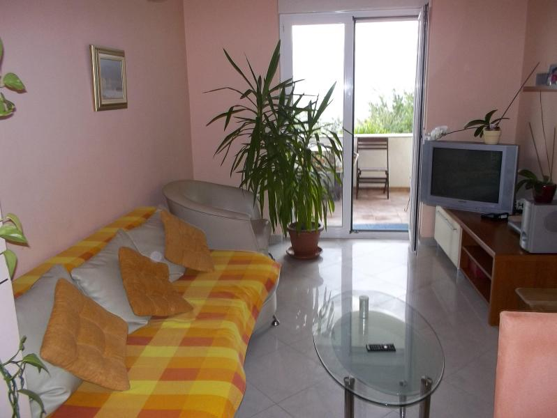 """Dolly"" -apartment, Kostrena, Rijeka - Image 1 - Kostrena - rentals"