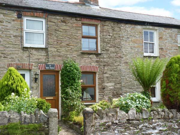 SAFE HAVEN, terraced cottage, central location, woodburner, garden, in Tywardreath, Ref. 27437 - Image 1 - Tywardreath - rentals