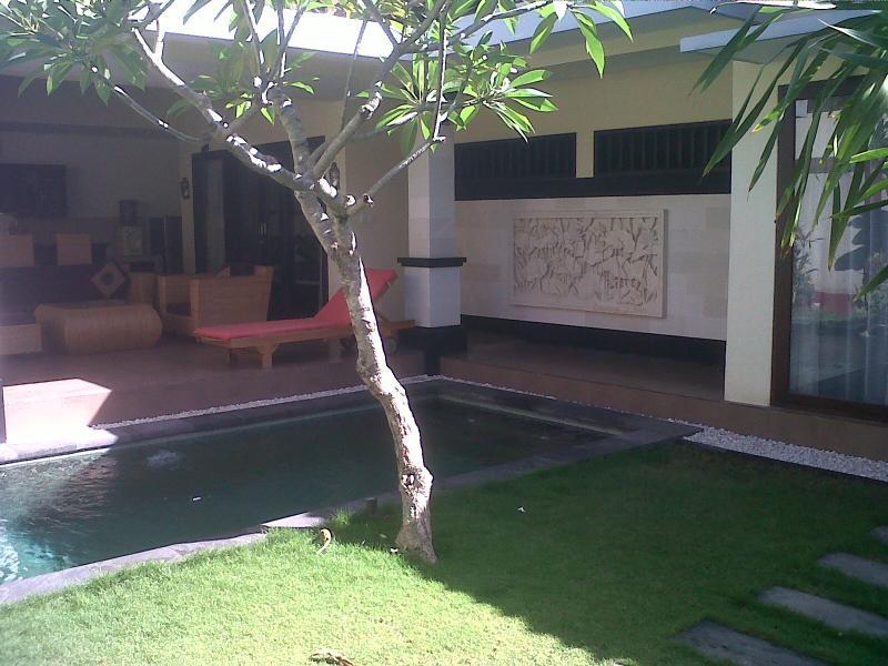Balcony - Seminyak 3 bedrooms villa complex - Kuta - rentals