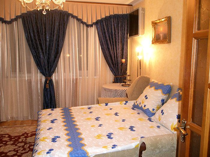Comfortable, close to downtown,  the sea  beach. - Image 1 - Sevastopol - rentals