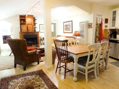 Above And Beyond, house on a hill, walk to river - Above And Beyond - Guerneville - rentals